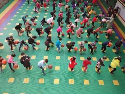 如何向幼儿园小朋友描述篮球运动 长塘镇蓓蕾幼儿园