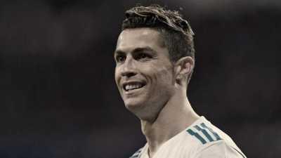 中国的著名足球运动员 世界百大运动员名单有几个是中国的
